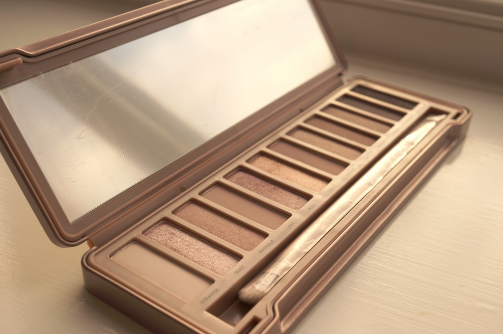 Urban Decay Naked 3 Palette GIVEAWAY!