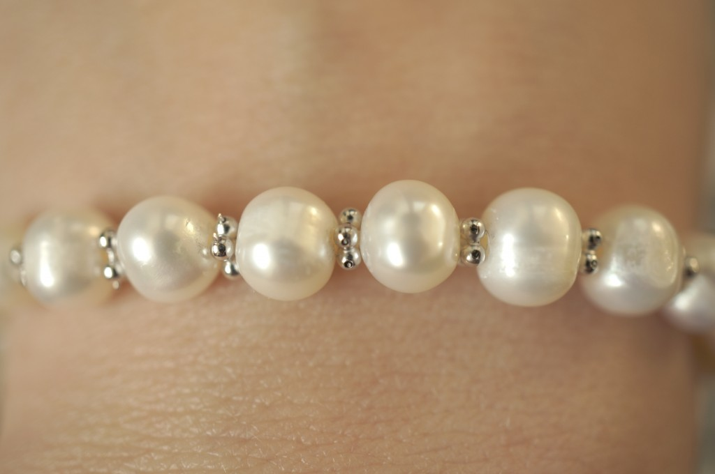 pearl bracelet close up