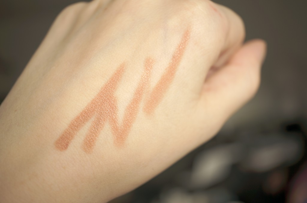 hourglass nude femme swatch