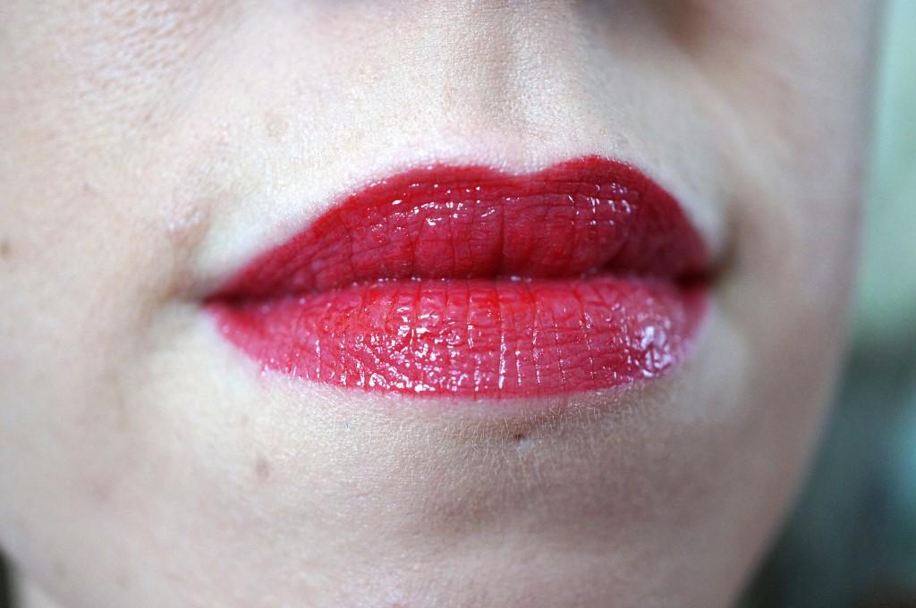 vampire kiss review