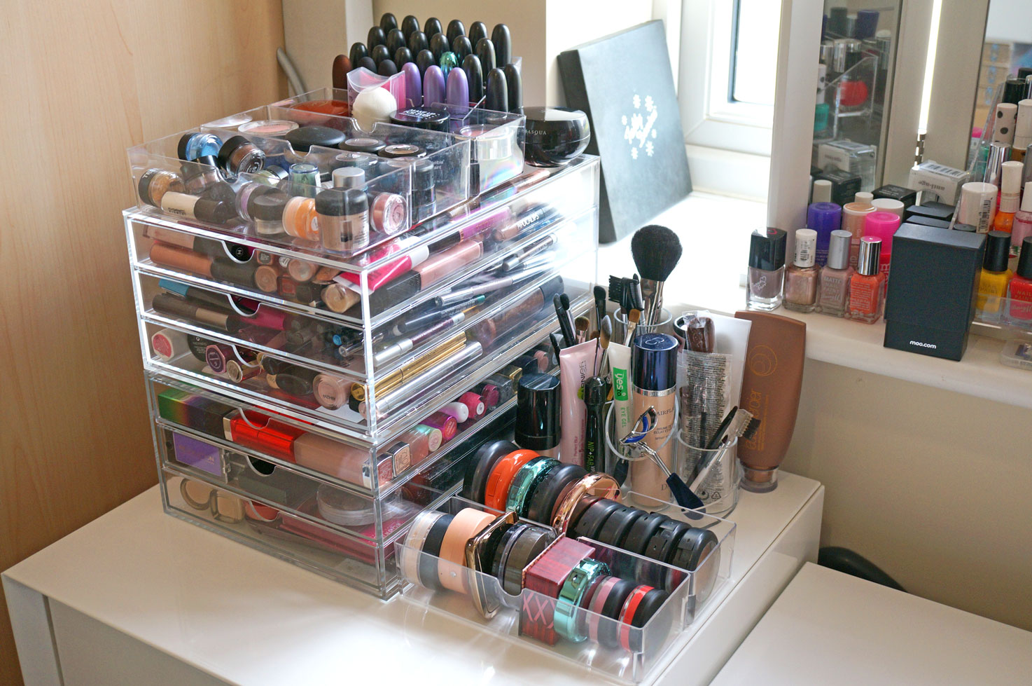 Ordinaire Acrylic Makeup Storage