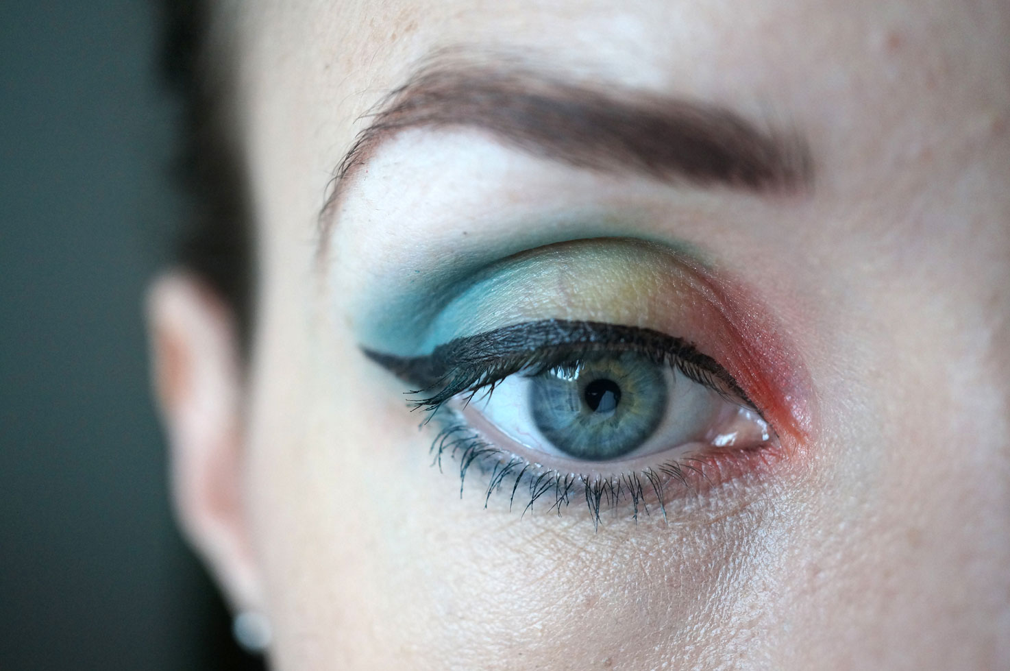rainbow eyeshadow look