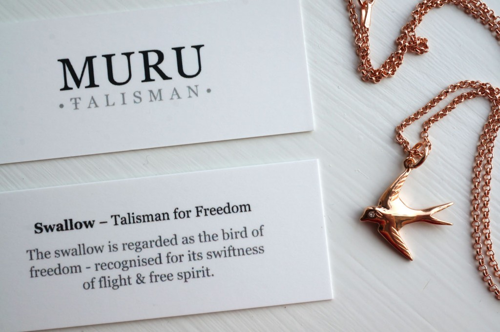 rose-gold-bird-necklace
