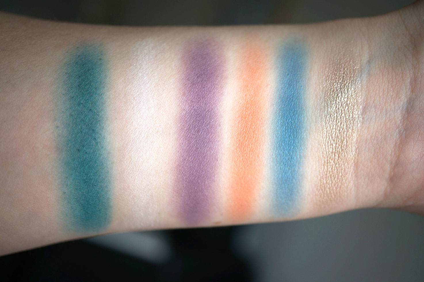 sleek del mar swatches