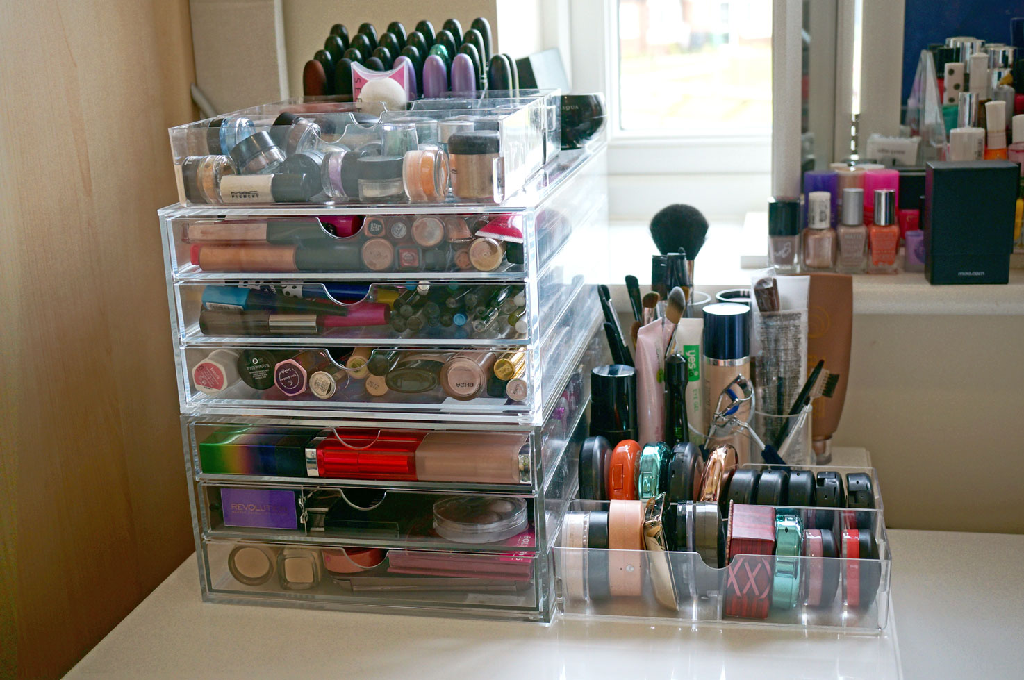 acrylic-storage-drawers