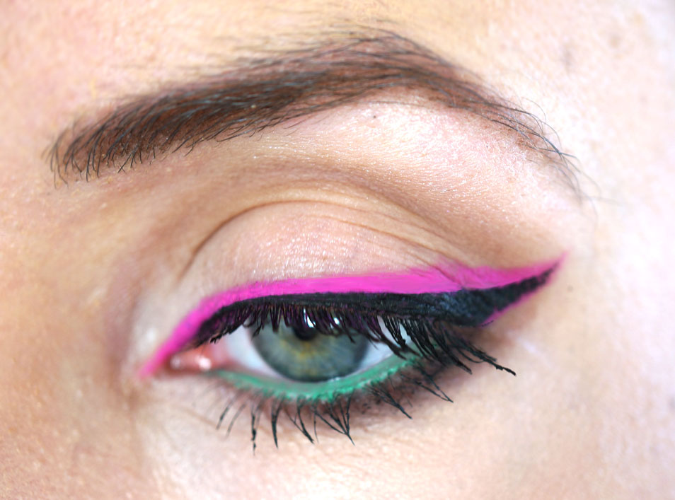 bourjois-pink-eyeliner-review