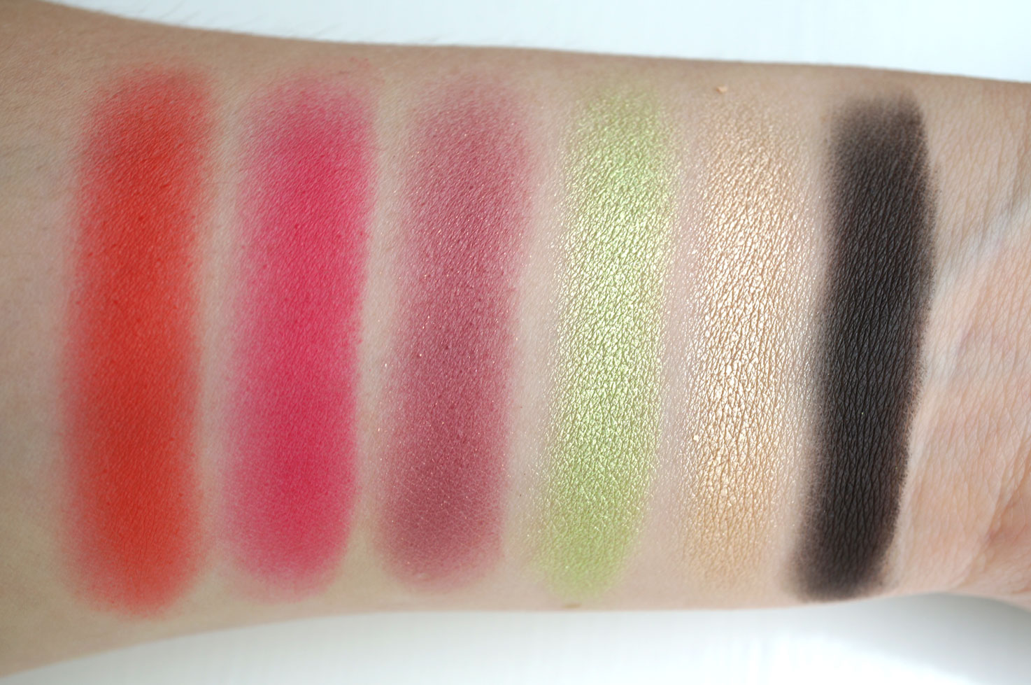 sleek-rio-rio-swatches