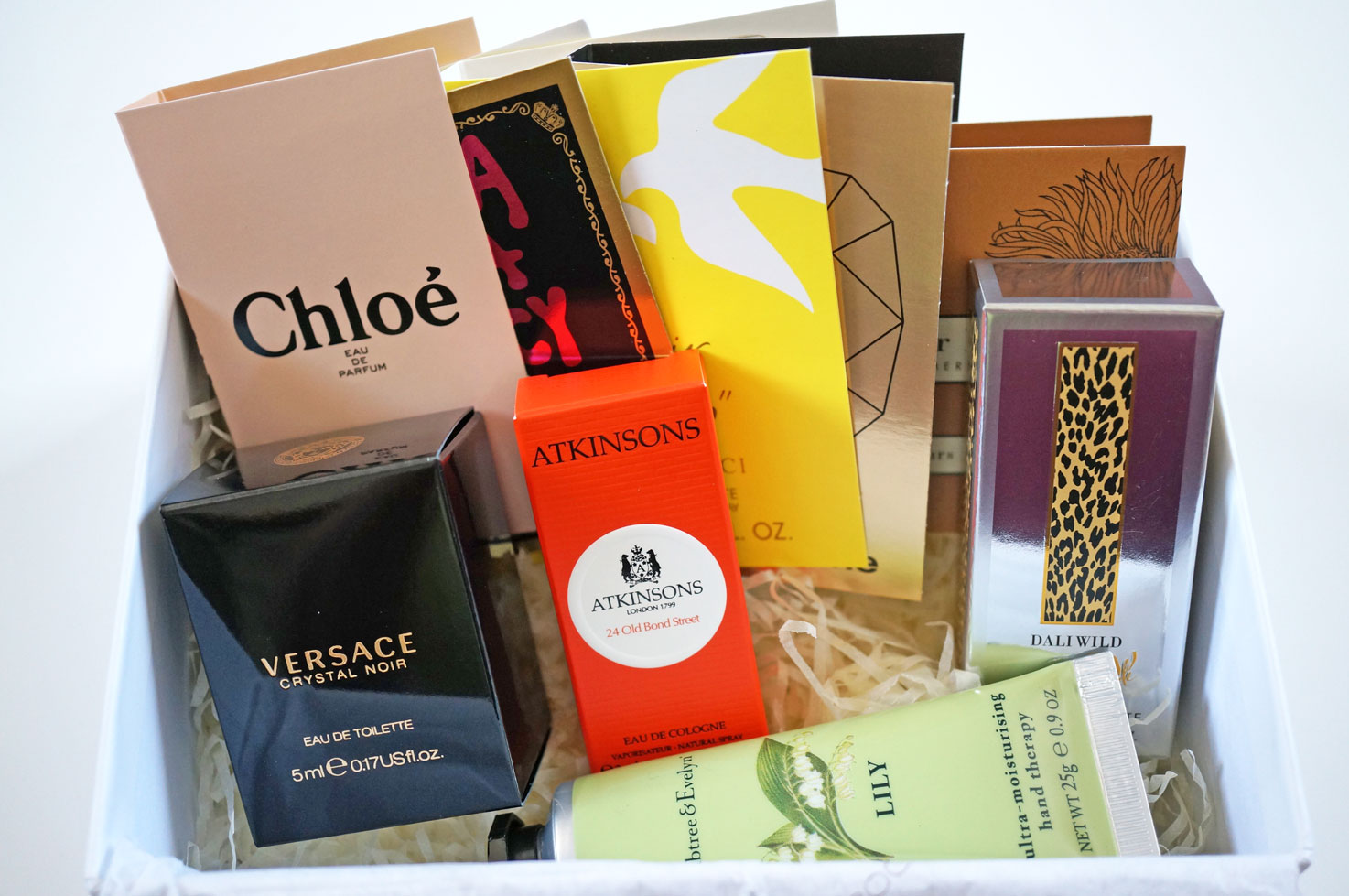 perfume-discovery-box
