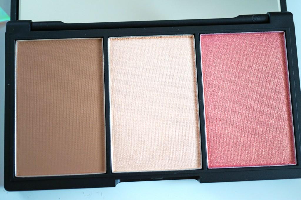 sleek-contour-blush-palette