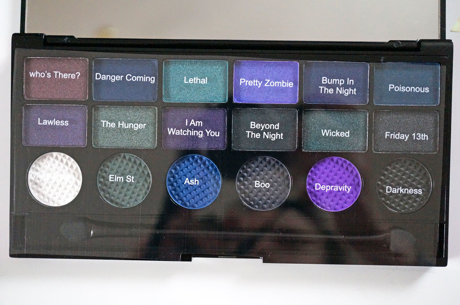 Makeup Revolution Give Them Nightmares Palette