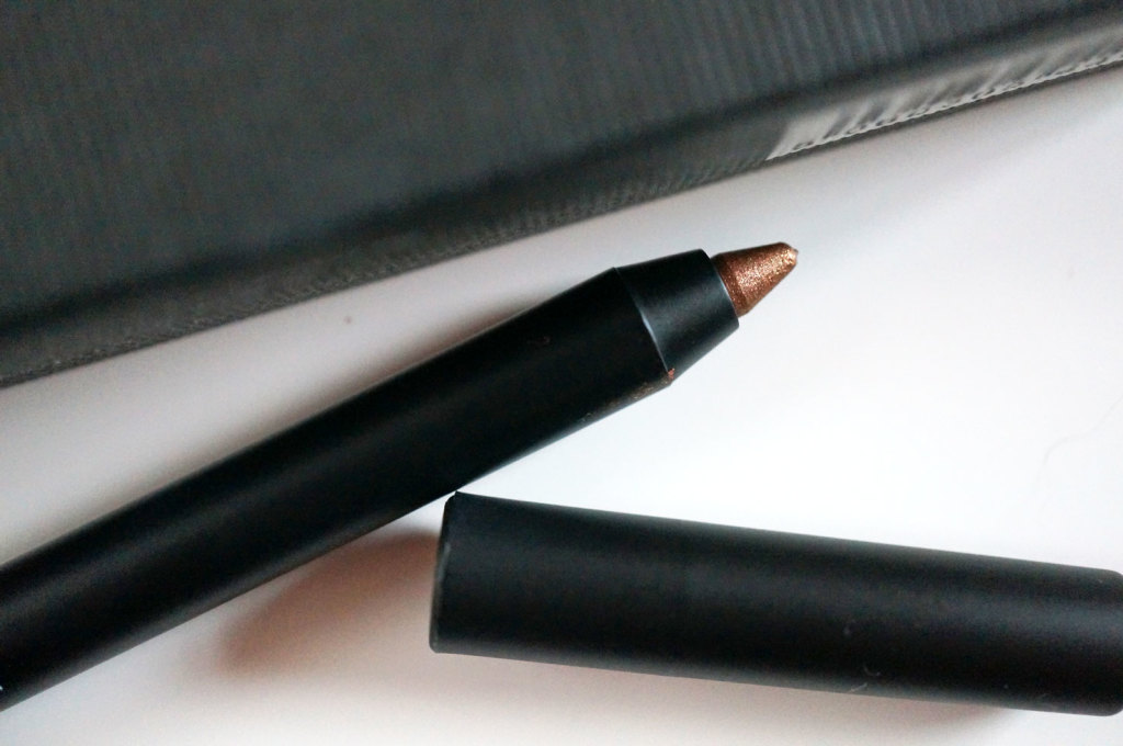 glo-and-ray-sky-breaker-eyeliner-review