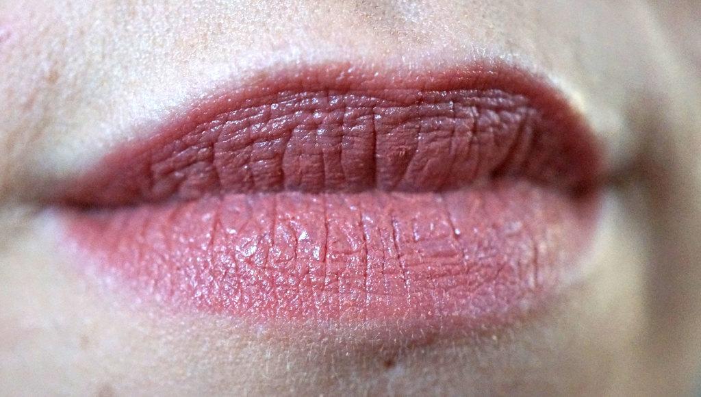 neve-cosmetics-panna-cotta-lipstick