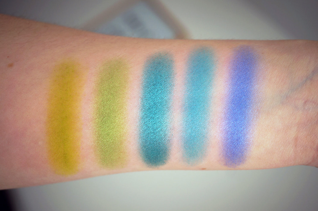 Intensissimi-eyeshadow-palette-swatches-2