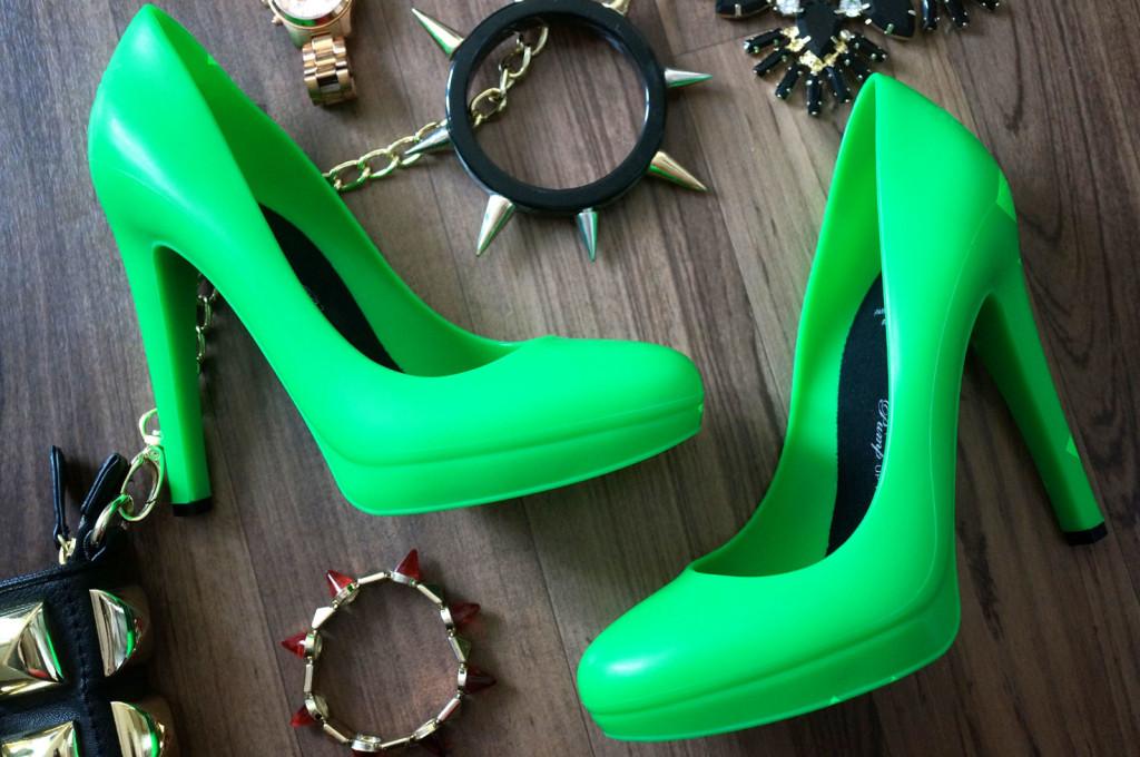 neon-green-heels