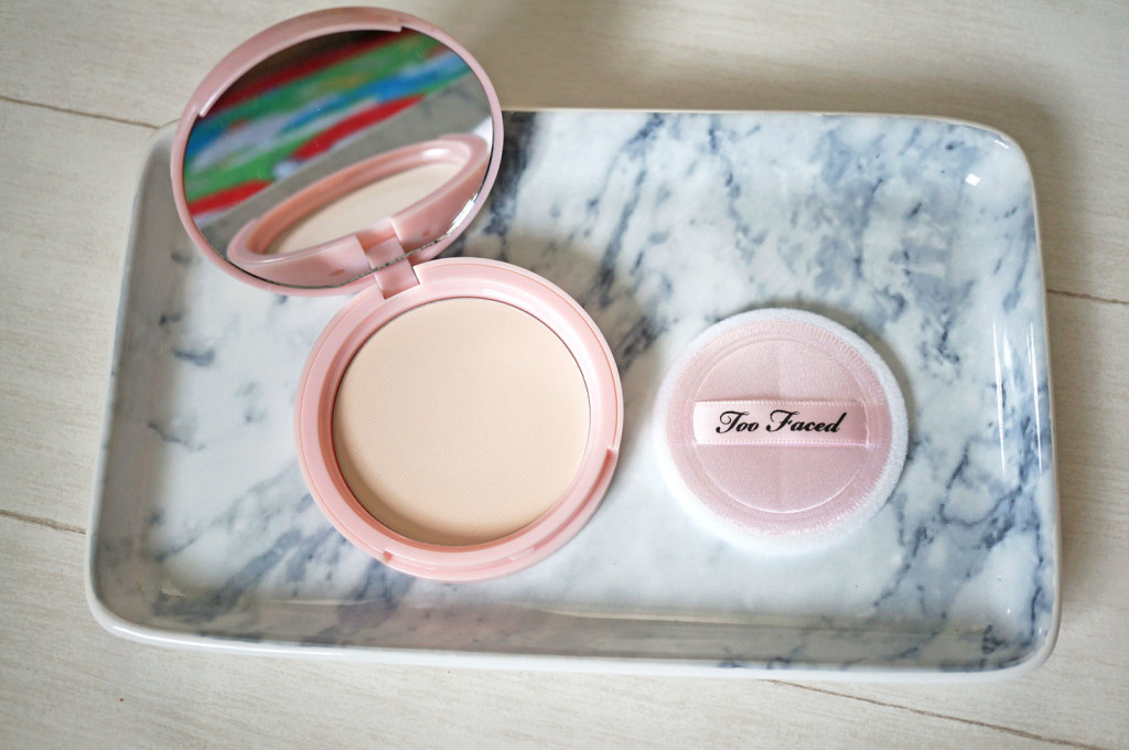 too-faced-finishing-powder