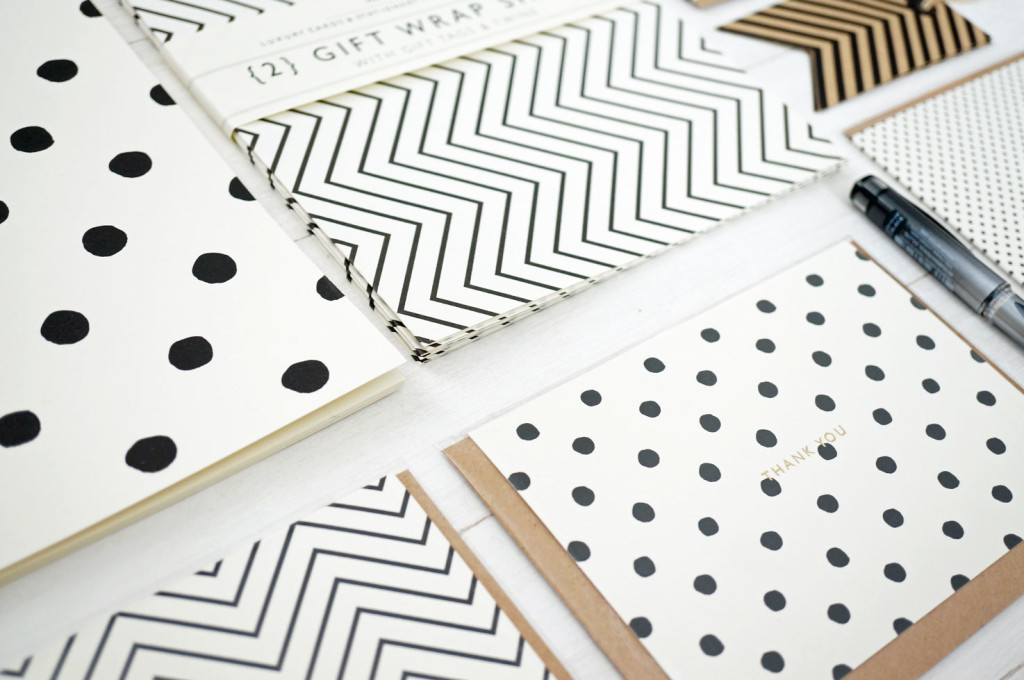 monochrome-stationery