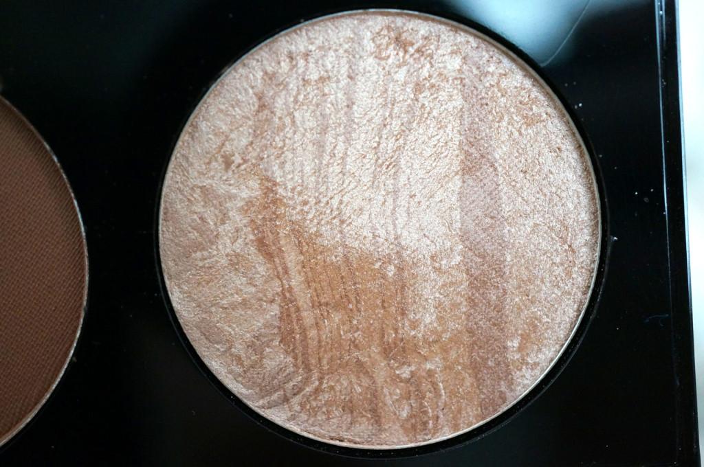 makeup-revolution-ultra-contour-palette-highlight