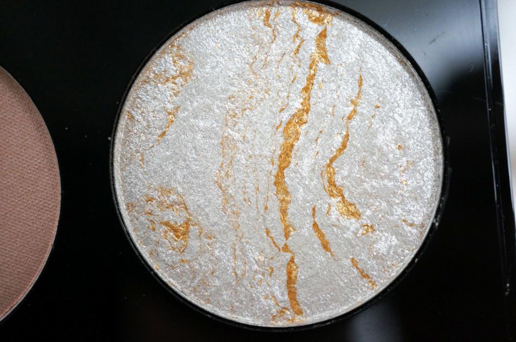 makeup-revolution-ultra-contour-palette-silver-pan