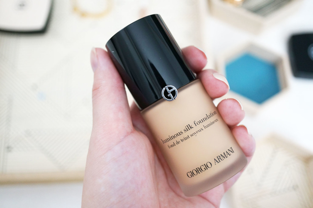 georgio-armani-luminous-silk-foundation-review