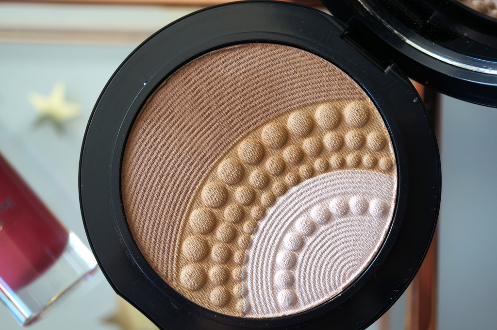 kiko-midnight-siren-silk-pearl-illuminating-bronzer