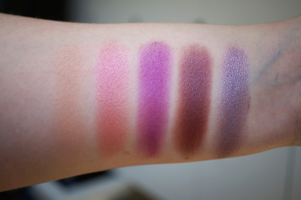 urban-decay-vice-4-palette-swatches-2