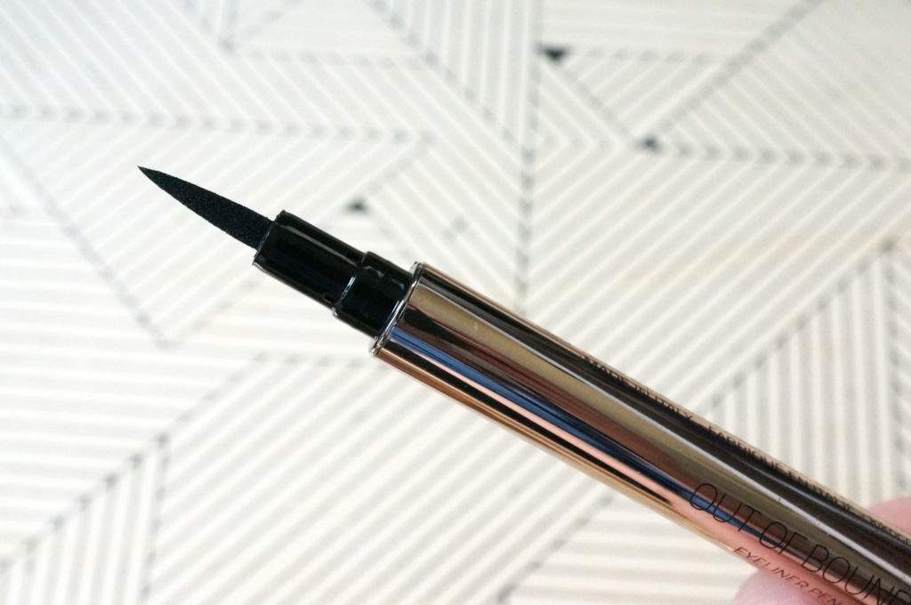 Kiko-Wanderlust-Out-of-Bounds-Eyeliner-Pen-Review