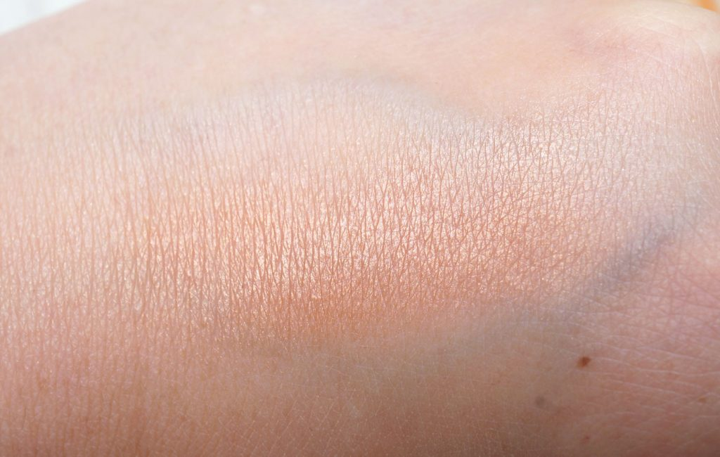 mac-star-trek-strange-new-worlds-powder-swatch