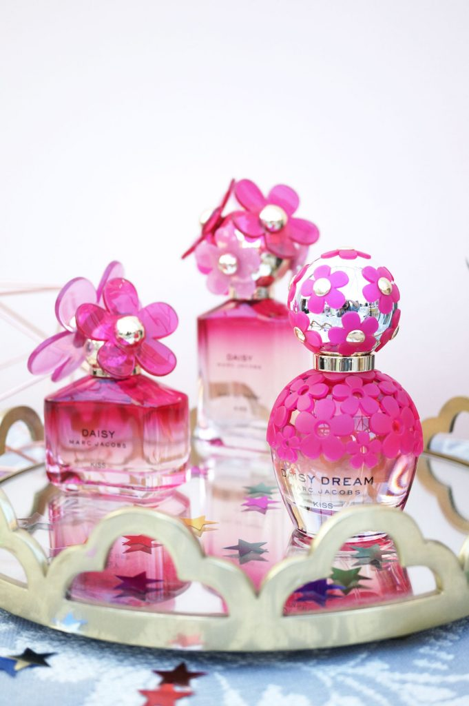 Marc-Jacobs-Limited-Edition-Daisy-Kiss-Collection