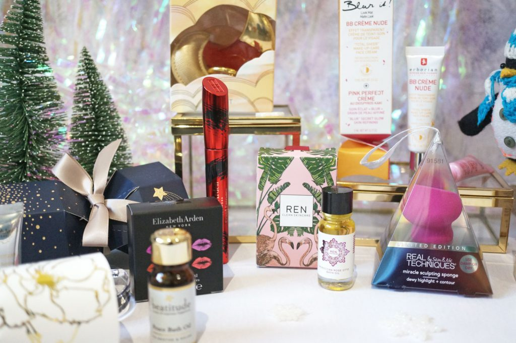 Christmas: Fabulous Beauty Crackers & Baubles